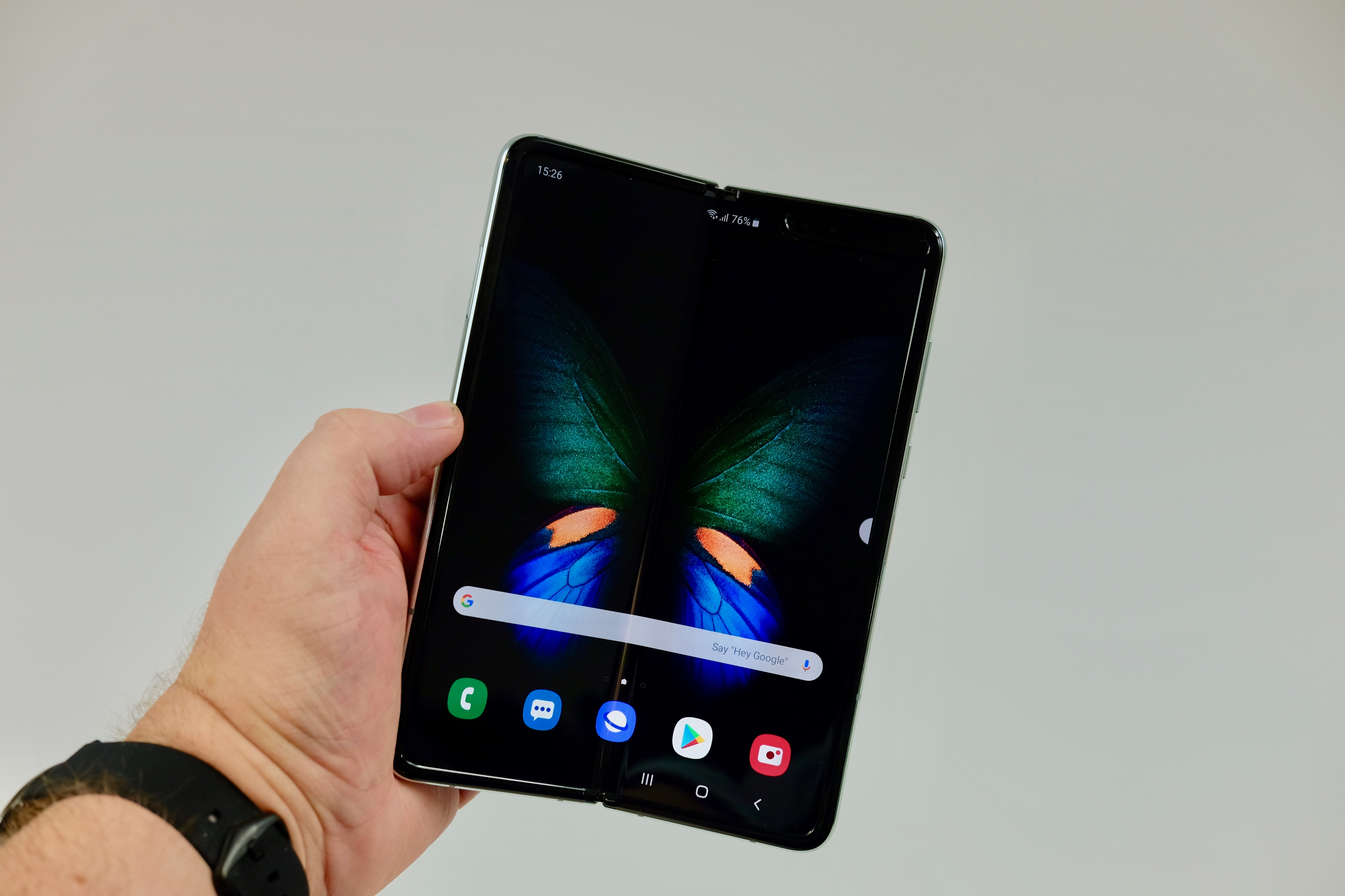 Samsung Galaxy Fold 2 might go on sale before Galaxy S11 – report